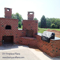Outdoor Fireplace with Pizza Oven and Outdoor Kitchen